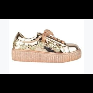 ⭐️ NEW WOMEN'S ROSE GOLD STAR SNEAKERS